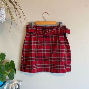 Plaid skirt with removable belt!